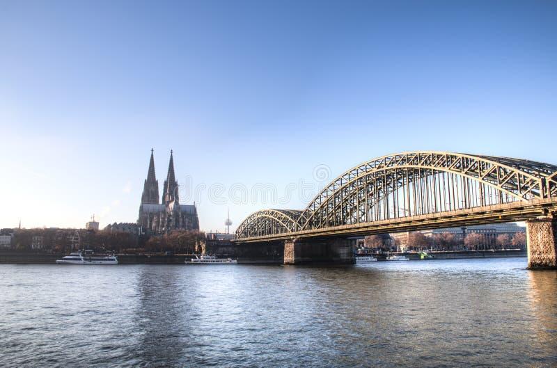 Vista sobre a água de Colônia em Alemanha imagem de stock royalty free