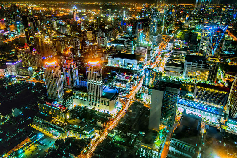 Vista sobre a cidade asiática grande de Banguecoque foto de stock