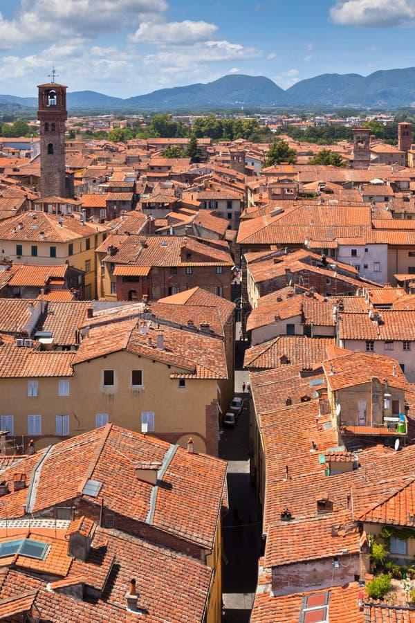 Vista sobre cidade de Lucca, Toscânia foto de stock royalty free