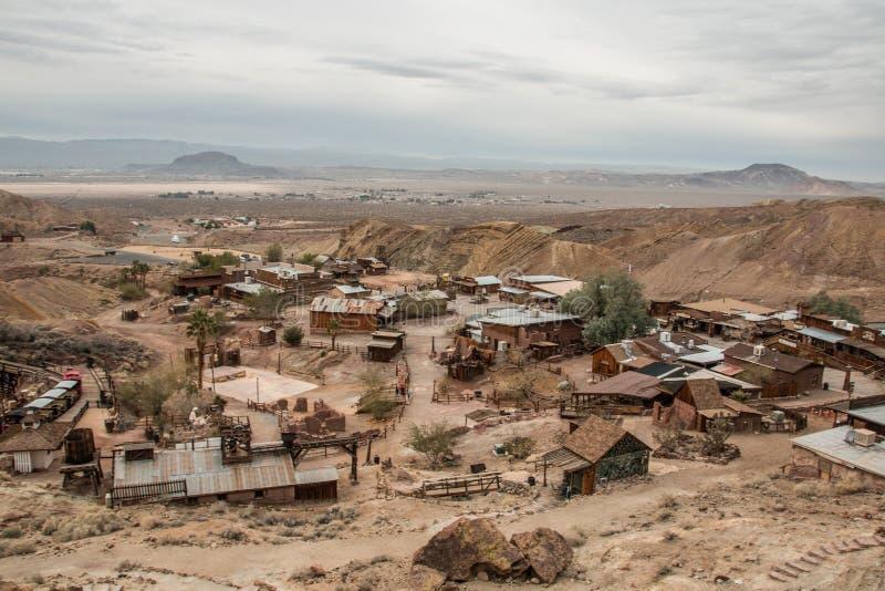 Vista sobre a cidade fantasma da chita em San Bernardino County, EUA imagens de stock royalty free