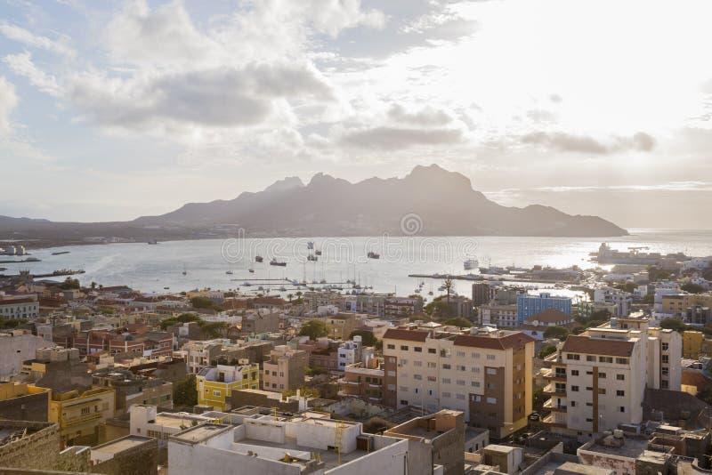 Vista sobre Mindelo, Sao Vicente, foto de stock royalty free