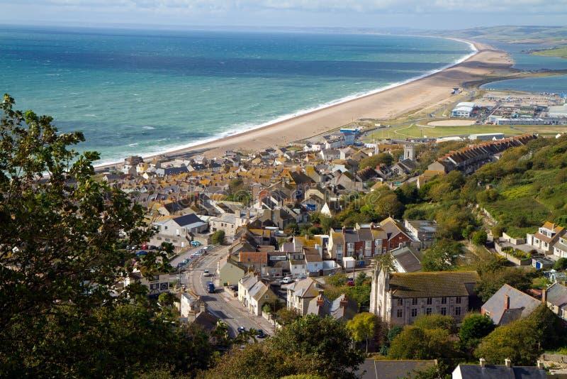 Vista sobre a praia de Weymouth, de Portland e de Chesil imagens de stock