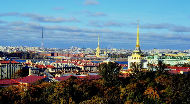 Vista sobre St Petersburg, Rússia fotos de stock