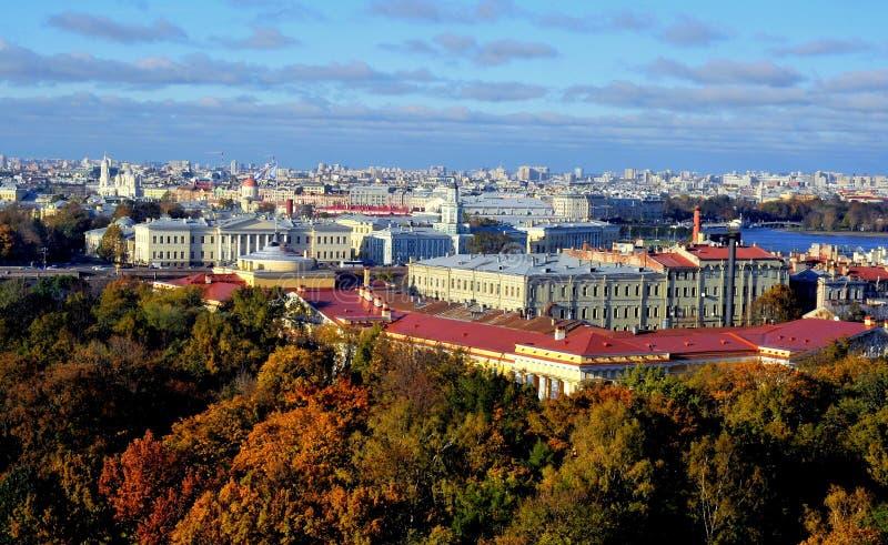 Vista sobre St Petersburg, Rússia imagens de stock