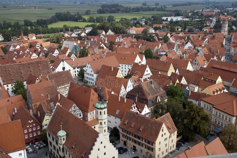 Vista sobre telhados da cidade velha ao campo de cerco fotos de stock