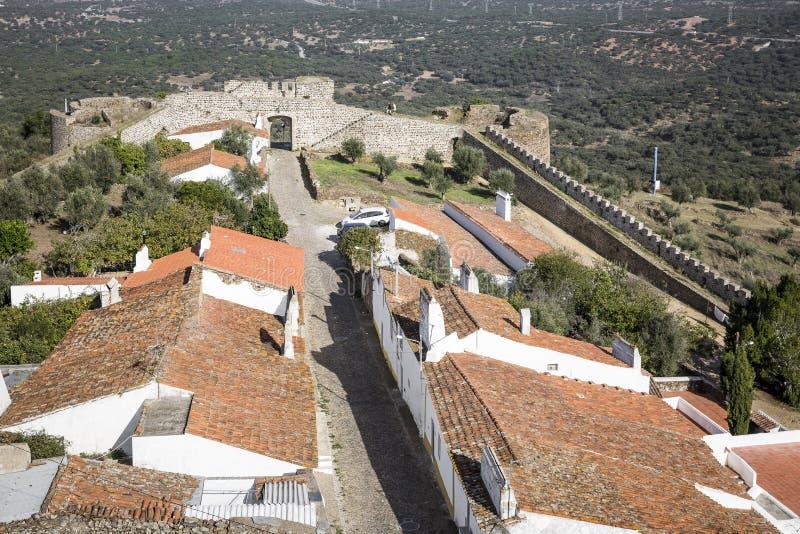 Vista sobre a vila de Evoramonte Santa Maria na municipalidade de Estremoz, o Alentejo, Portugal imagens de stock royalty free