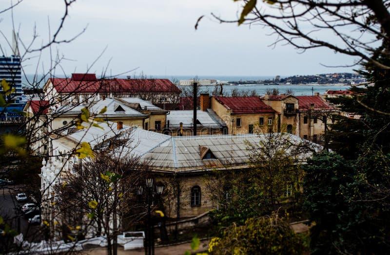 vista sopra i tetti delle case fotografia stock libera da diritti
