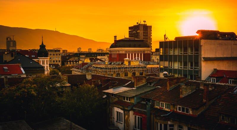 Vista sopra il centro urbano in Sofia Bulgaria fotografia stock
