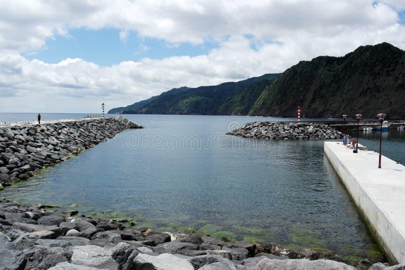 Vista sopra il theHarbor, Ponta Delgada, Portogallo immagini stock