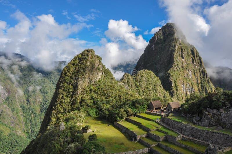 Vista sopra le rovine di inca di Machu Picchu, Perù immagini stock