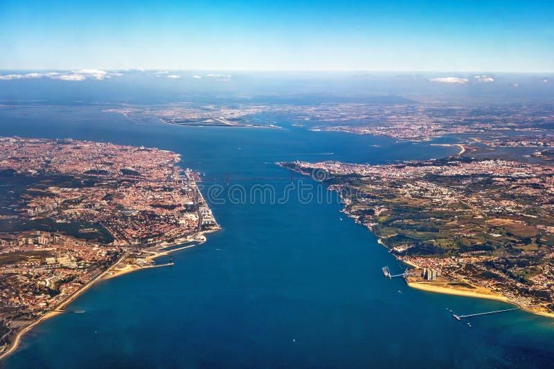 Vista sopra Lisbona fotografie stock