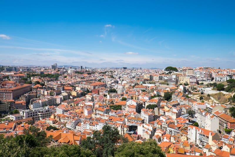 Vista sopra Lisbona un giorno soleggiato fotografia stock