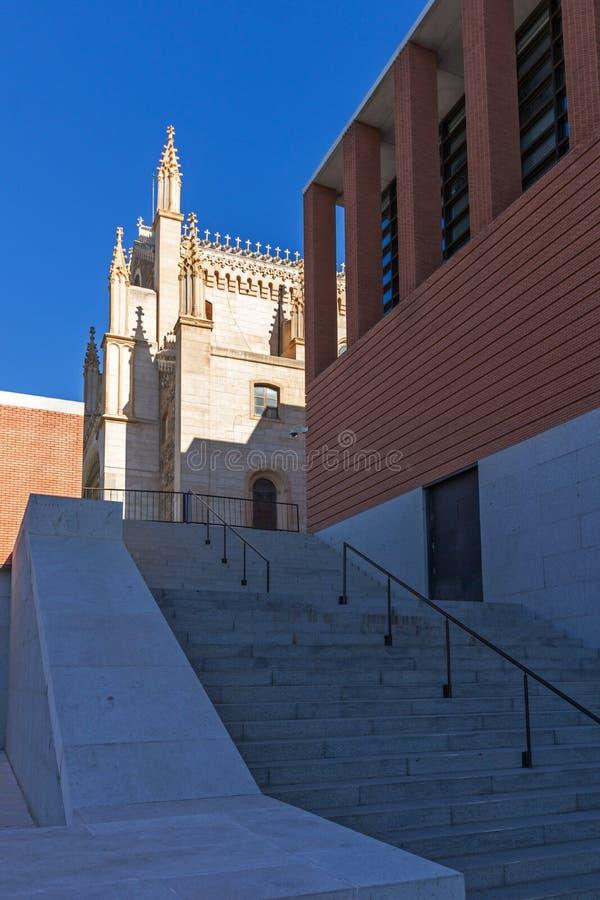 Vista stupefacente della chiesa di San Jeronimo el Rea in città di Madrid, Spagna fotografia stock libera da diritti