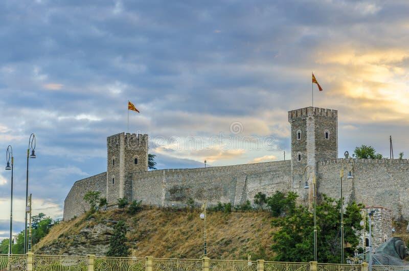 Vista stupefacente di vecchia cittadella di pietra, Skopje, Macedonia immagini stock