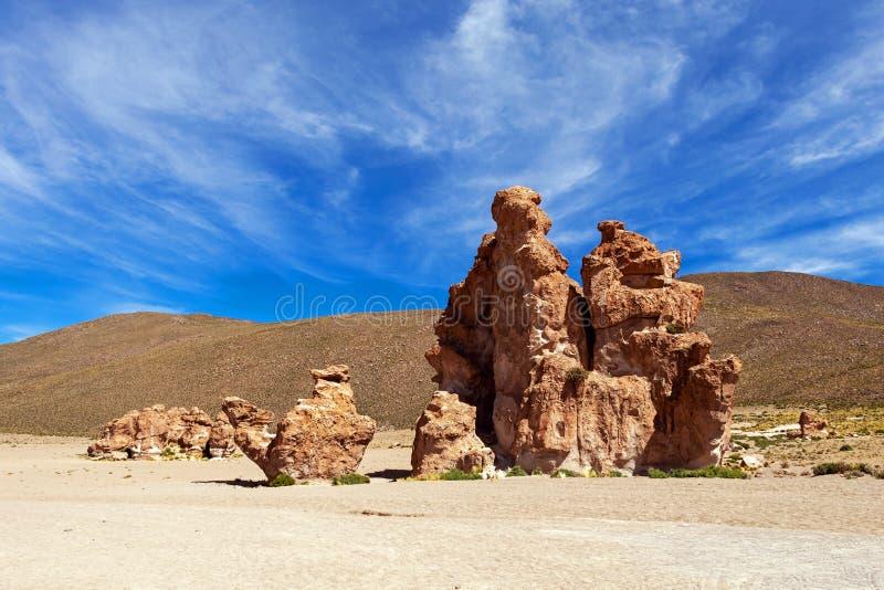 Vista su formazione rocciosa del cammello nel altiplano di Bolivean - dipartimento di Potosi, Bolivia immagini stock
