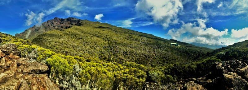 Vista sui neiges del DES del chiodo da roccia su La Reunion Island immagine stock libera da diritti