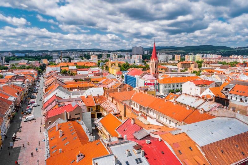 Vista sui tetti a Kosice dalla cattedrale della st Elisabeth fotografia stock