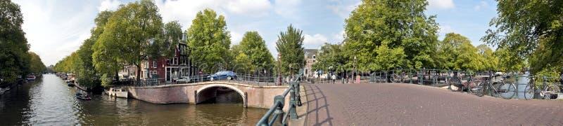 Vista sul centro città di Amsterdam nei Paesi Bassi fotografie stock