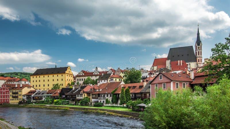 Vista sul centro storico di Cesky Krumlov europa fotografia stock libera da diritti