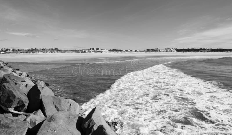 Vista sul mare della baia di Vila do Conde immagine stock libera da diritti