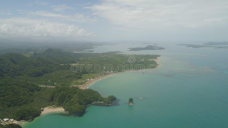 Vista sul mare delle isole di Caramoan, Camarines Sur, Filippine immagine stock