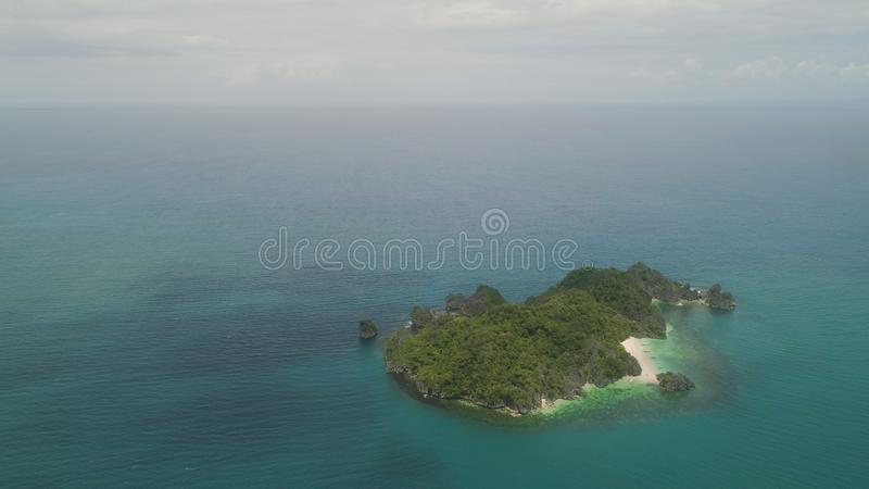 Vista sul mare delle isole di Caramoan, Camarines Sur, Filippine fotografie stock