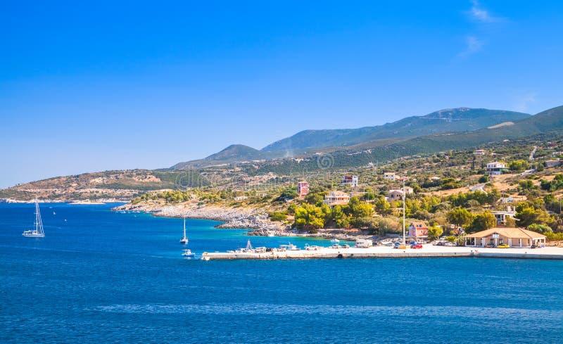 Vista sul mare panoramica, porto di Agios Nikolaos fotografie stock libere da diritti