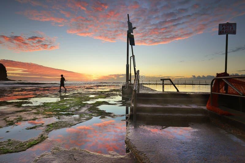 Vista sul mare Sydney Australia di Mona Vale Sunrise fotografia stock