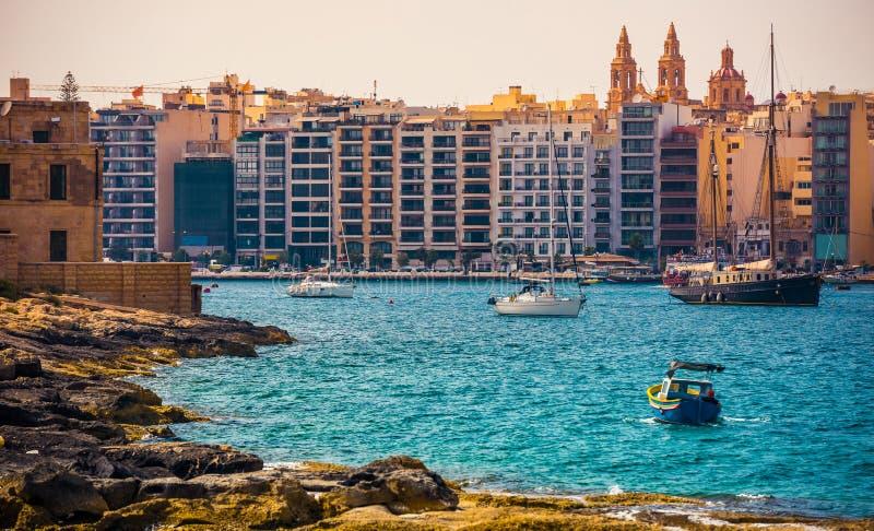 Vista sul porto e su La Valletta di Marsamxett fotografia stock