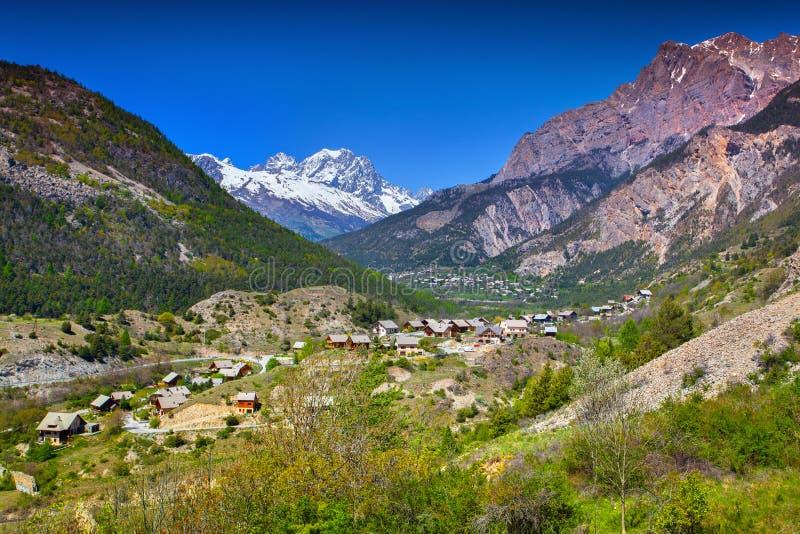 Vista sulla montagna Pelvoux immagini stock