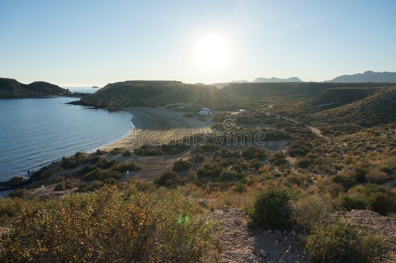 Vista sulla spiaggia da prenotazione della natura in Spagna immagine stock