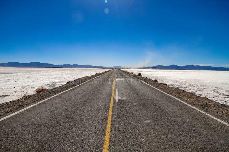 Vista sulla strada e sul paesaggio di Salt Lake, Argentina fotografia stock