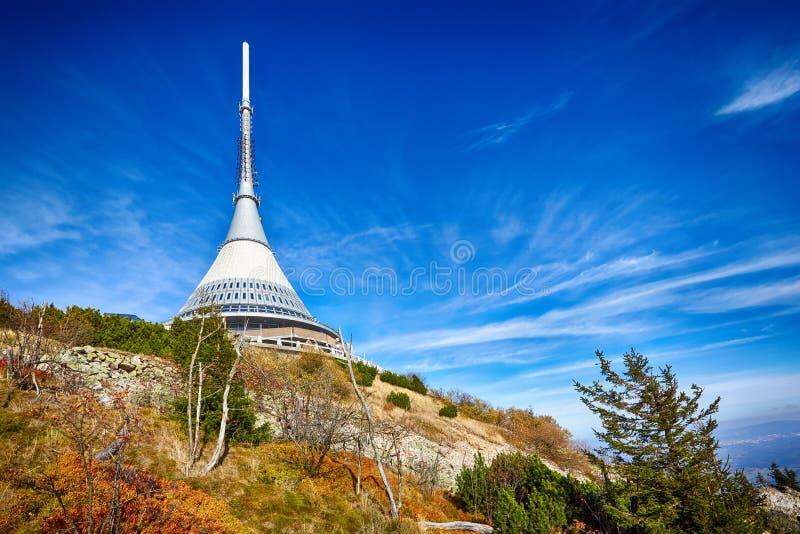 Vista sulla torre Jested, Liberec, repubblica Ceca fotografia stock libera da diritti