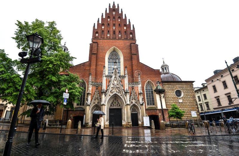 Vista sulla vecchia basilica di trinità santa, Cracovia Polonia fotografie stock libere da diritti