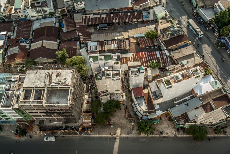 Vista superior alta de construções da cidade em Vietname imagem de stock