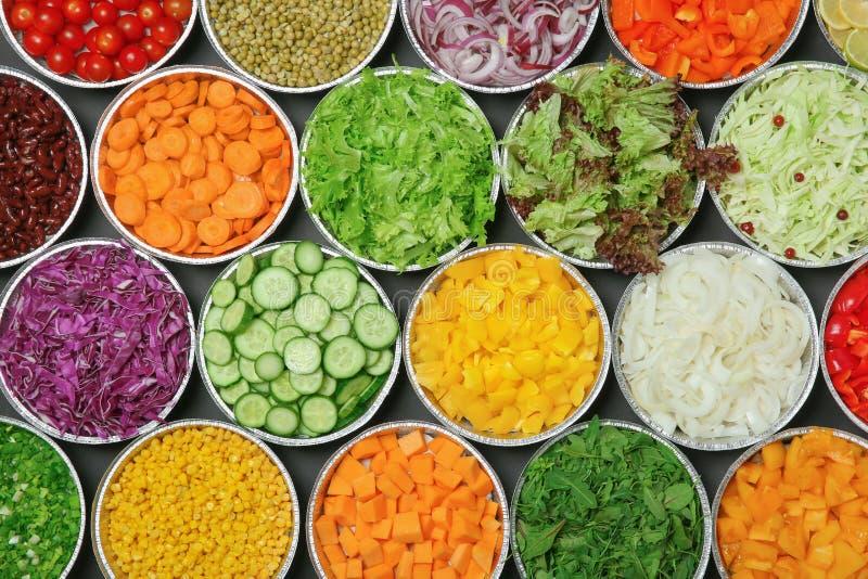 Vista superior da barra de salada com variedade imagem de stock