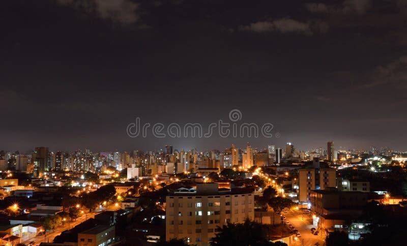 Vista superior da cidade de Campinas, em Brasil imagem de stock