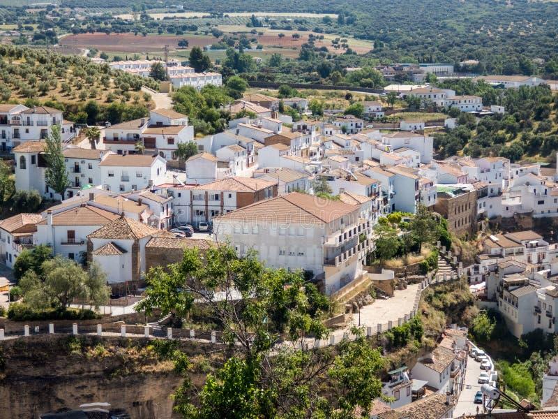 Vista superior da vila de Olvera, uma das vilas brancas bonitas da Andaluzia, Espanha foto de stock royalty free