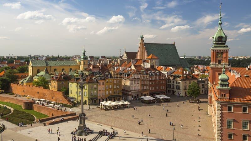 Vista superior das construções no centro velho de Varsóvia, Polônia Curso imagens de stock royalty free