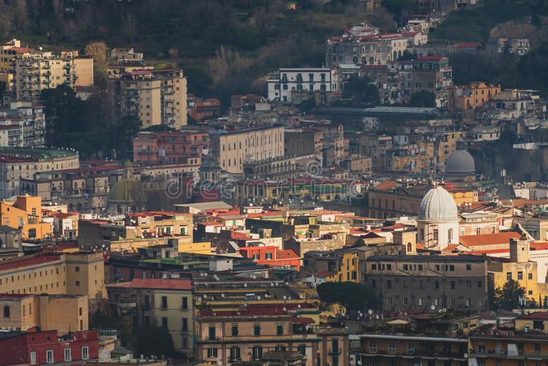 Vista superior das ruas do centro histórico de Nápoles fotos de stock royalty free