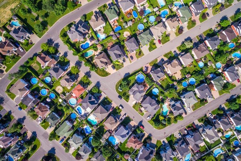 Vista superior de casas en vecindad residencial en Montreal, Quebec, Canadá foto de archivo
