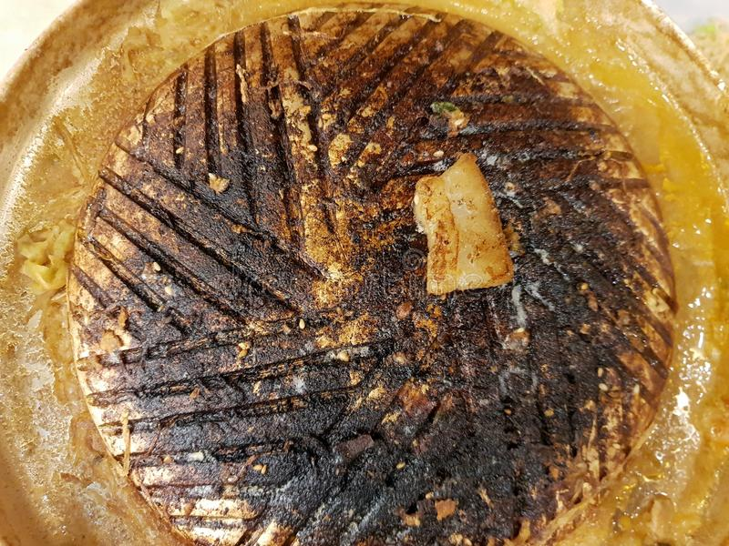Vista superior de la cacerola quemada de la parrilla para la comida fría asada a la parrilla del Bbq imágenes de archivo libres de regalías