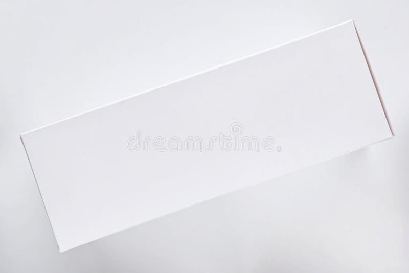 Vista superior de la caja de regalo blanca imagen de archivo libre de regalías