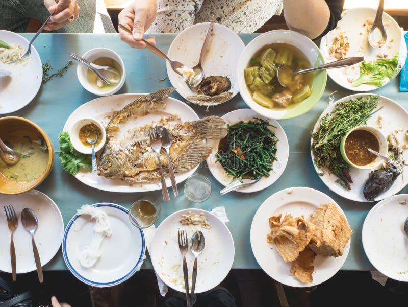 Vista superior de la comida tailandesa de la tradición imagenes de archivo
