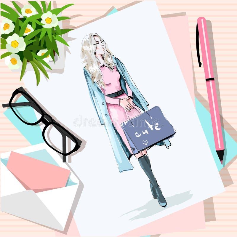 Vista superior de la tabla con las flores, papeles, bosquejo, pluma, sobre Papel con la mujer dibujada mano de la moda con los bo stock de ilustración