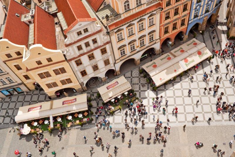 Vista superior de la vieja plaza en Praga imágenes de archivo libres de regalías