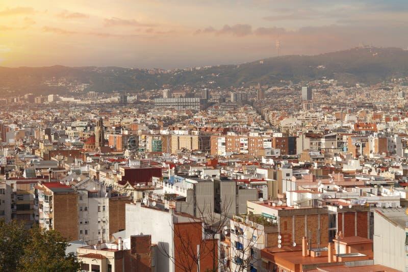 vista superior de las calles antiguas de la ciudad de Barcelona foto de archivo libre de regalías