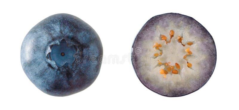 Vista superior de los arándanos maduros aislados en el fondo blanco cierre imagen de archivo