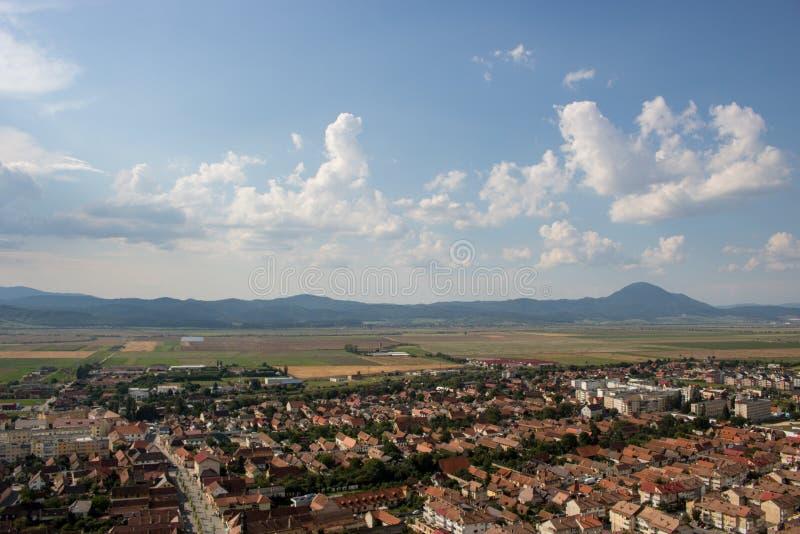 Vista superior de Rasnov en Rumania foto de archivo