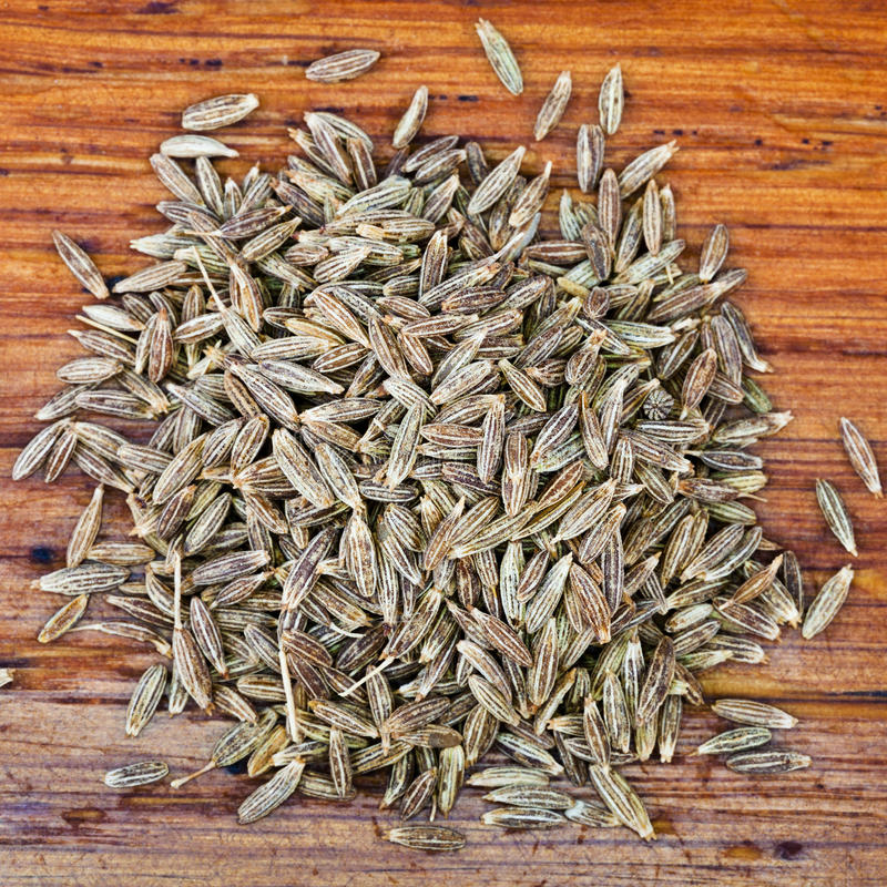 Vista superior de sementes de cominhos secadas imagem de stock